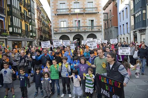 Udal agiriak euskaraz egiteko artikuluak indargabetu nahi ditu Espainiak