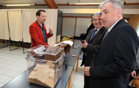 Ipar Euskal Herriko emaitzak: 8 zentro eskuinarentzat, 3 PS eta 1 EHBai #bozak15