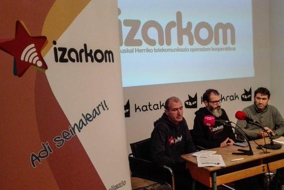 Euskal Herriko lehen telekomunikazio operadore kooperatiboa sortu dute: Izarkom
