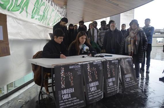 'Euskal Herria harrera herria': manifestazioa Irunen larunbatean