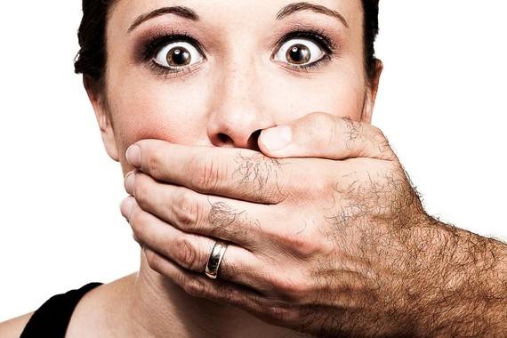 'Manterrupting', emakumeen hitza etengabe eteten duten gizonen fenomenoa