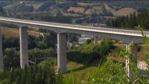 Europako AHT sarea garestiegia da eta bidaiari nahikorik ez dago, auditoreen arabera
