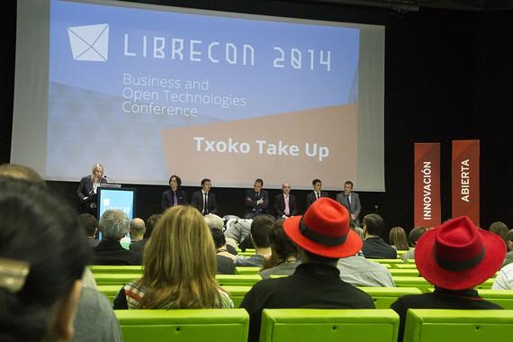 """""""Librecon"""" kongresua izan da Bilbon, teknologia eta jakintza libreak mintzagai"""