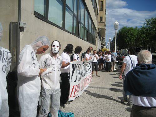 Mugitu! Mugimendua: AHTren aurka desobeditzen