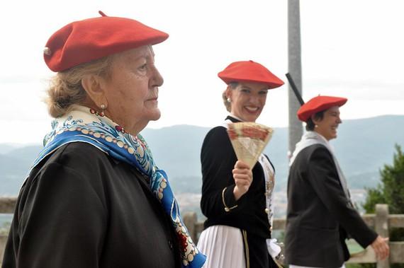 """""""Amonaren zoriontasuna"""", Espe Etxeberria, 87 urterekin, Jaizkibelekin lehenengoz desfilatzen"""