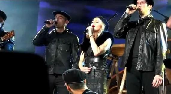 Albistea: Madonna eta Kalakan mundu biran elkarrek