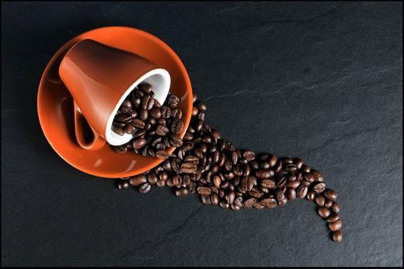Nola deskafeinatzen da kafea?