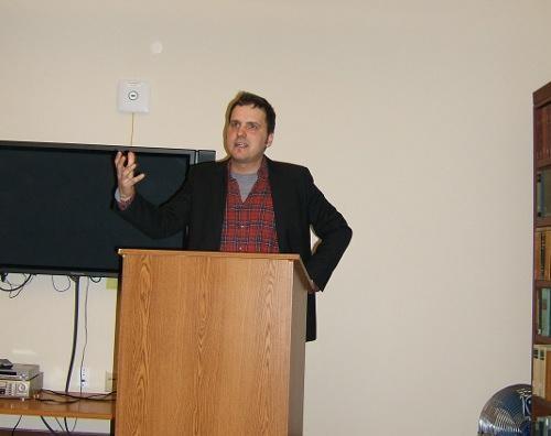 Kirmen Uribe Stanford Unibertsitatean hizlari