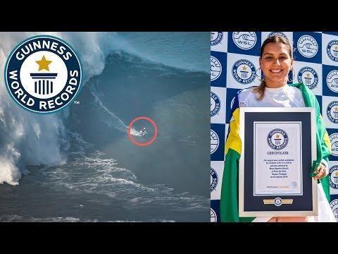Munduko errekorra: 20,72 metroko olatua surfeatu zuen Maya Gabeira surflariak