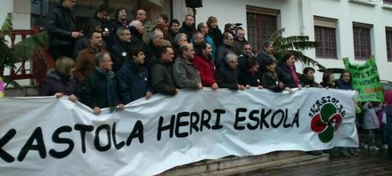 Hendaian, Seaska eta #ikastola-k aurrera! #euskara