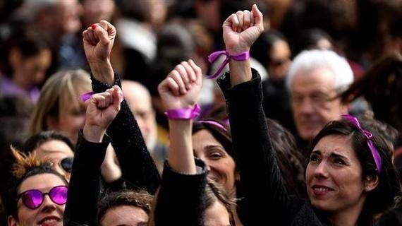 Martxoaren 8an egun osoko greba deituko du Euskal Herriko mugimendu feministak