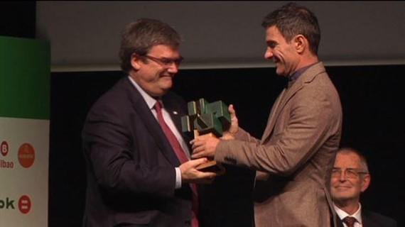 Joxe Mari Iriondok 'Euskal Kazetaritza saria' jaso du
