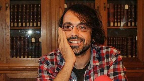 Mikel Peruarenak uko egin dio Euskadi Literatura Sariari