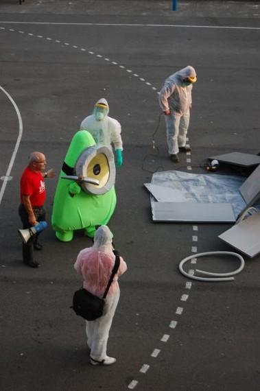 Ibiltxo, 2012ko Ibilaldiko maskota Itxaropena Ikastolara iritsi da