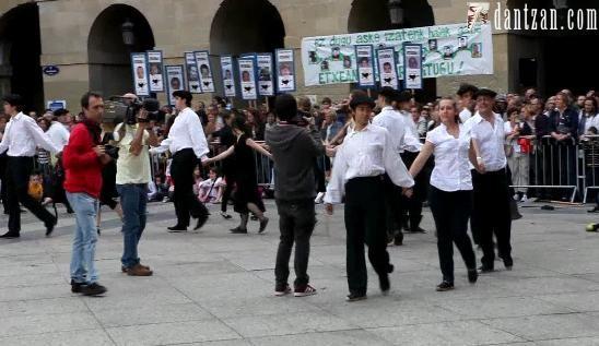 Gizon-dantza Donostian: tradizioa, alkatea eta bestelakoak