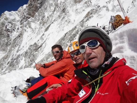 Mendizale italiar bat erreskatatu dute Iñurrategik, Zabalzak eta Vallejok Gasherbrum IIn