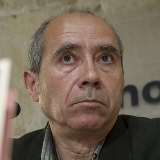K. Altonaga: «Euskara errazaren urmaelean plisti-plasta gabiltza askotan»