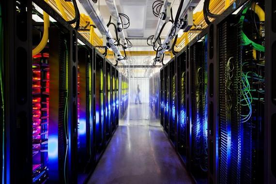 Googlek kable superbizkorrak instalatuko ditu