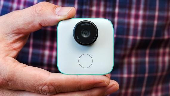 Google Clips, zure bizitza osoa (sic) grabatuko duen kamera robotikoa