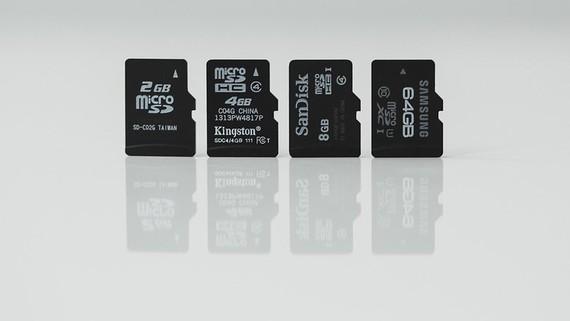 """Mikrotxartelik """"handiena"""" aurkeztu dute: 512 GBeko edukiera duen mikroSD txartela"""