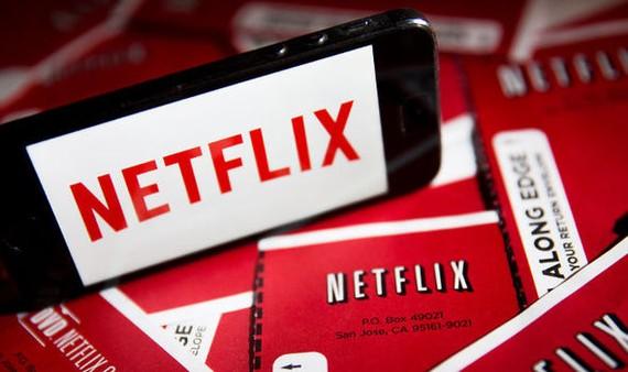 Netflixek iruzkin guztiak kendu ditu bere webgunetik, eta #datsegit botoia bakarrik utzi du
