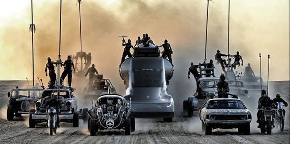 Tesla-ren auto-gidatze automatikoak Mad Max modua ere badauka