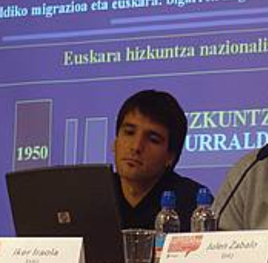 """Iker Iraola: """"Euskal herritarren erdia euskal estatuari buruz duen jarrera aldatzeko prest legoke"""""""