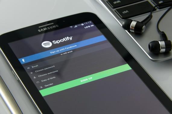 Spotify-ren ordainpeko harpidedunak 100 milioira iritsi dira