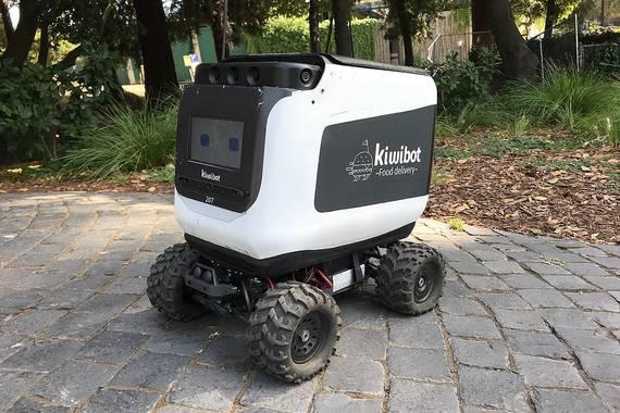 Kiwibot ustezko errekadista robotikoek gidariak dauzkate