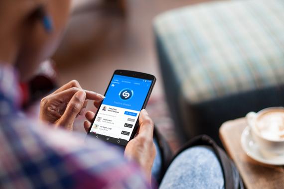 Applek Shazam aplikazioa erosi du 400 milioi dolar ordainduz