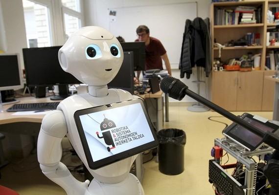 Robot bertsolaria eta musika-sorkuntza automatikoa