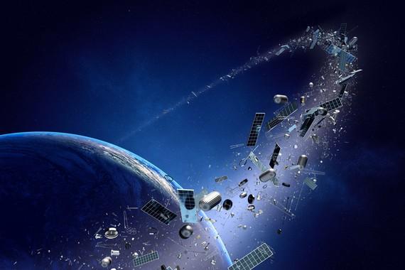 Espazioko zaborra birrintzeko laser-kanoiak eraikitzeko asmotan