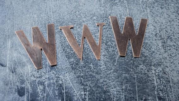 "WWW amaraunak 29. urte bete ditu gaur, eta Tim Berners-Lee arriskuez mintzo da: ""The web is under threat"" #HappyBirthdayWWW"