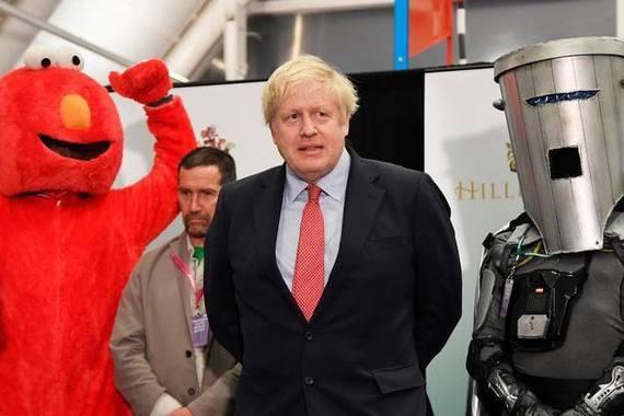 Nor dira lider britainiarren ondoan agertzen diren frikiak?